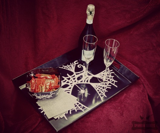 9BW-HomeDecor-Halloween-tray-cricutdesignspacestar-sparrowsoirees